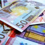 Kupujesz odzież w zagranicznym sklepie online. Zobacz kurs Euro