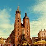 Jaką opinie mają uczelnie w Krakowie na tle Warszawy?
