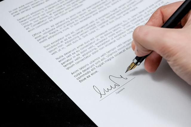 Na co zwrócić uwagę przy podpisywaniu umowy o pracę?
