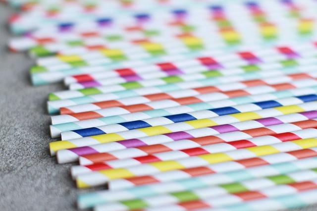 Słomki papierowe i ich wpływ na środowisko