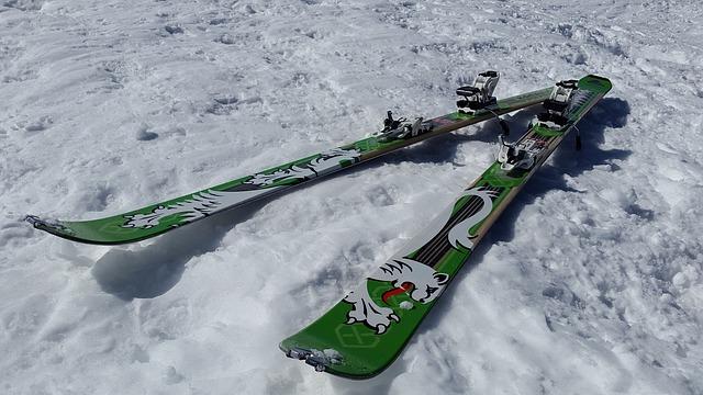 Jak dobrze zakonserwować sprzęt narciarski po sezonie?