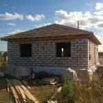 Hydroizolacja fundamentów – jak chronić dom przed wodą?
